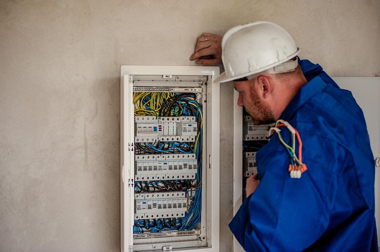 Mettre aux normes une installation électrique pour optimiser la sécurité