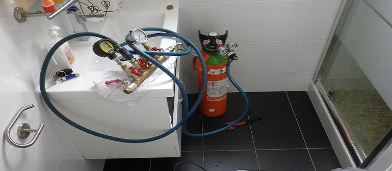 Méthode de recherche de fuite par impulsion électrique