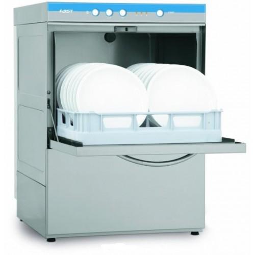 Équipement d'une cuisine professionnelle par du lave-vaisselle professionnel.