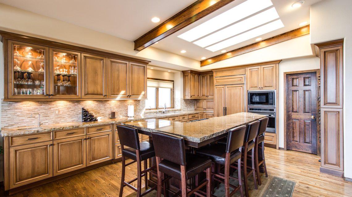 Comment aménager la cuisine en bois ?