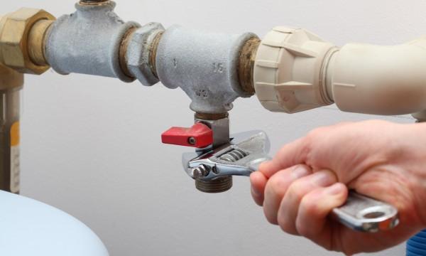 Comment résoudre un problème de bruit sur mon chauffe-eau ?